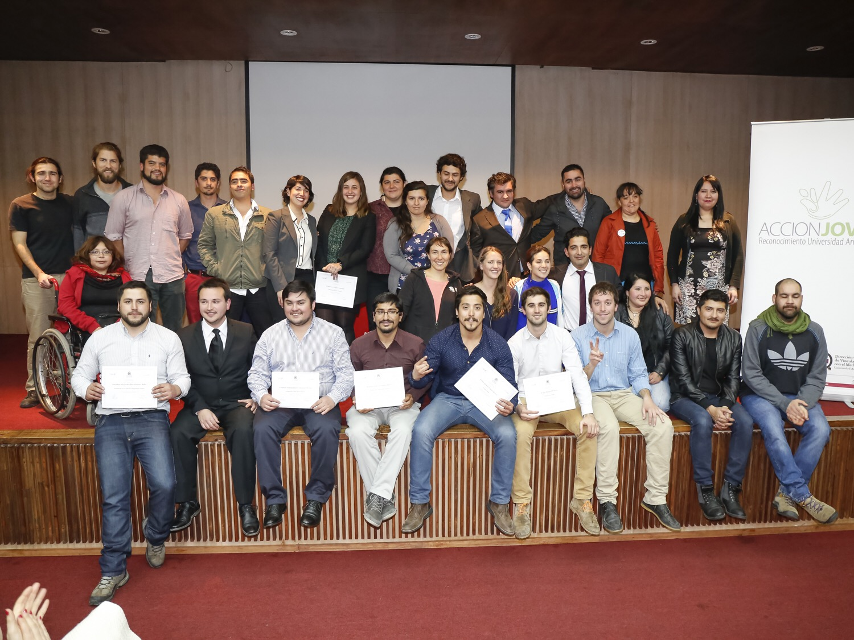 premiacion-accionjoven-2015-22-unab